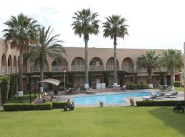 圣达菲酒店, Camargo