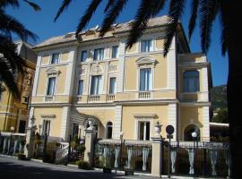 Ena Hotel, ארנצאנו