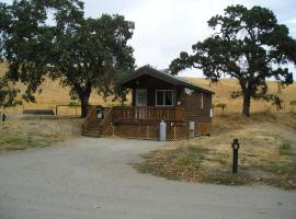 San Benito Camping Resort One-Bedroom Cabin 6, Paicines