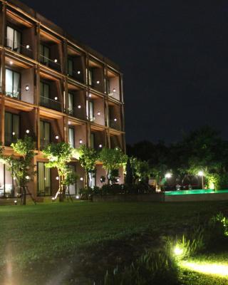 荣耀桂河酒店