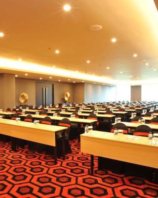 阿里亚泗水中央酒店