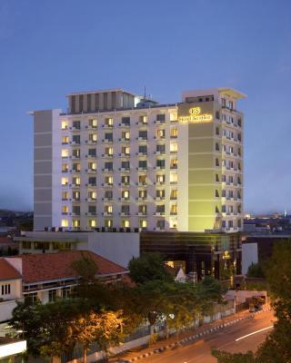 萨提卡彭德吉林苏腊巴亚酒店