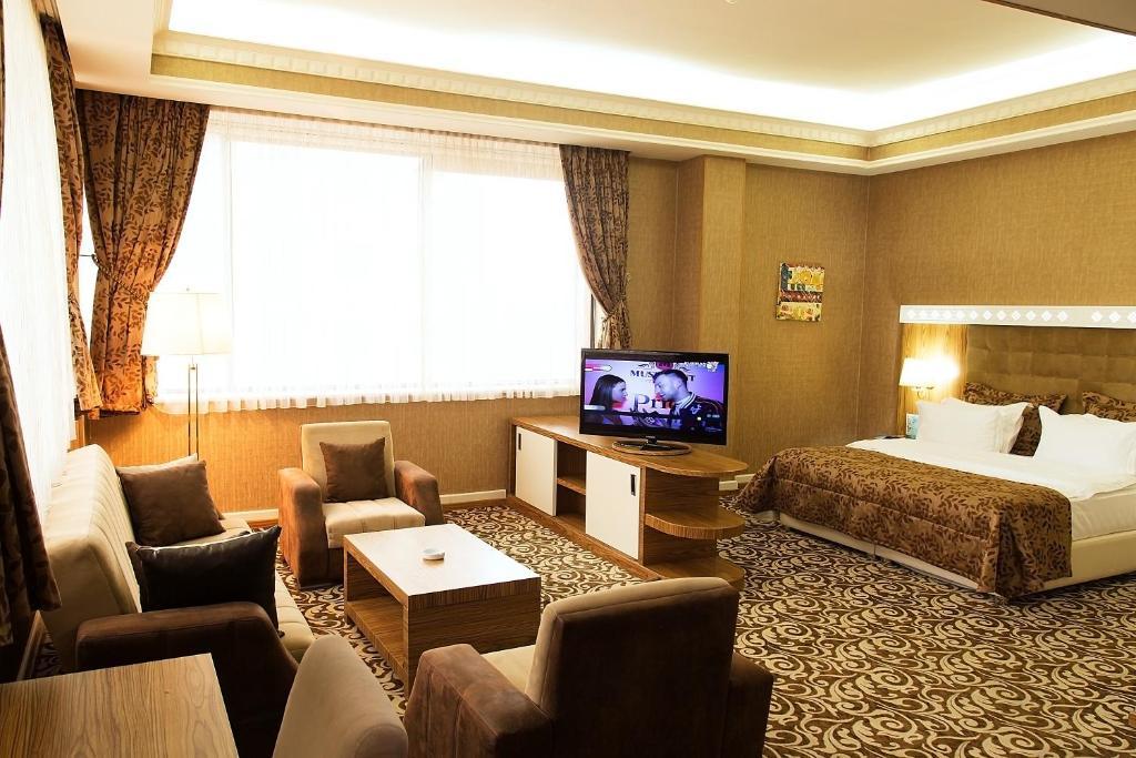 Отель Divan Express Baku, Баку
