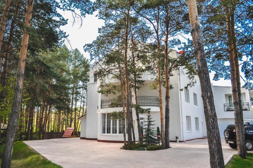 Отель Еловое, Новоабзаково