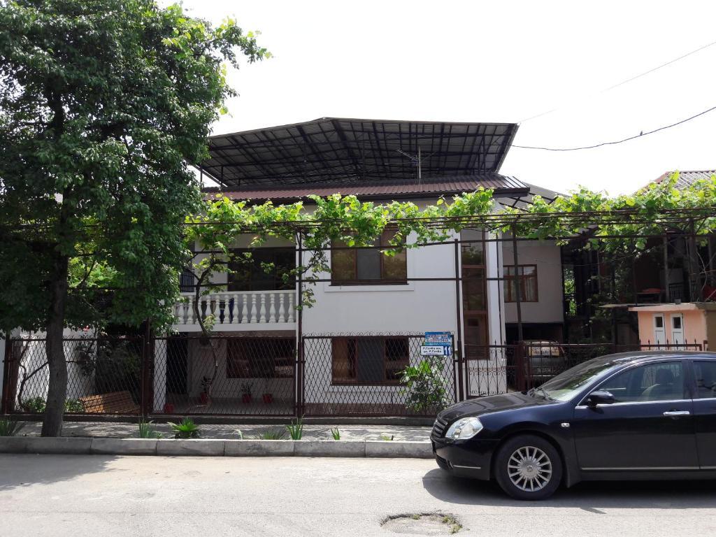 GuEsT HoUsE, Гагра, Абхазия