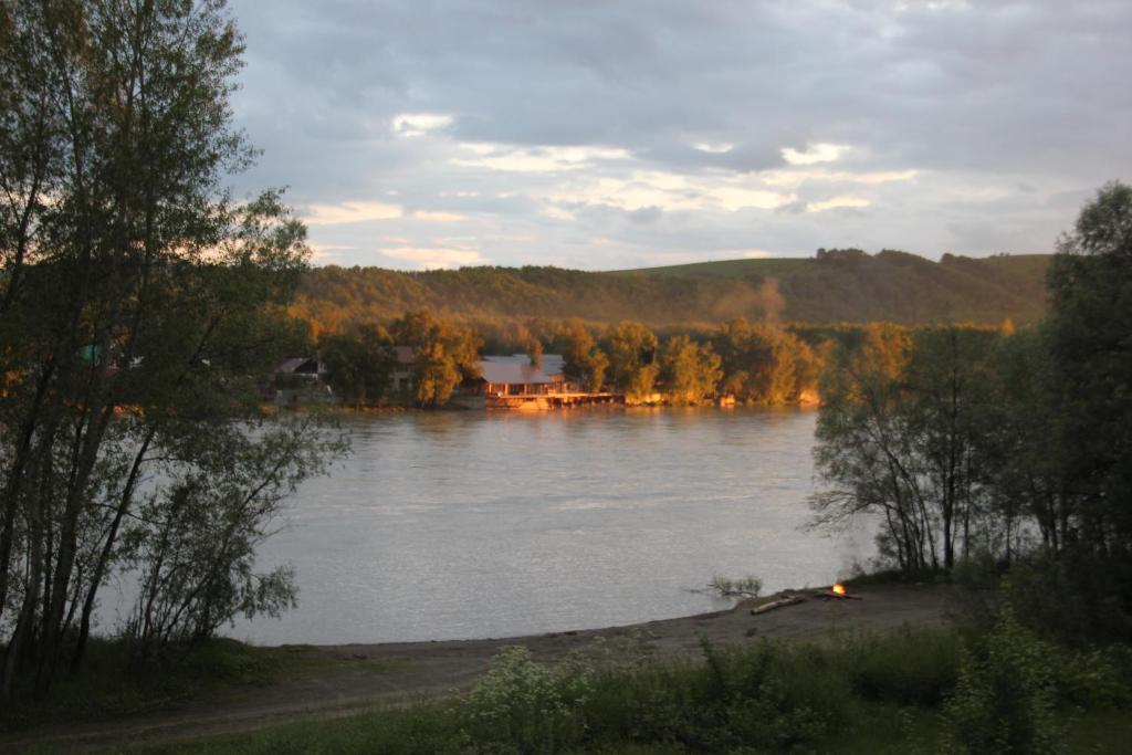 Гостевой дом На Чуйской 56а, Горно-Алтайск
