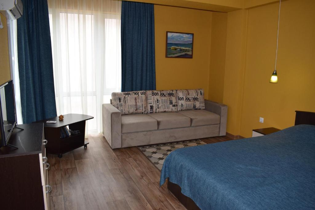 Апарт-отель Дом у реки, Лазаревское