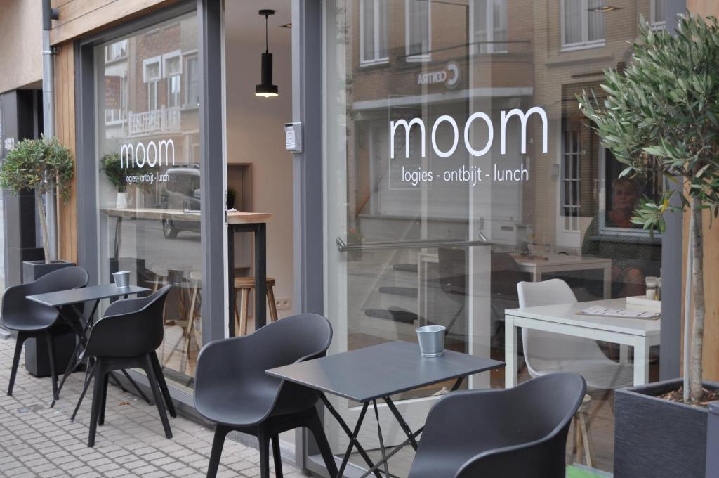 moom, Де Панне, Бельгия
