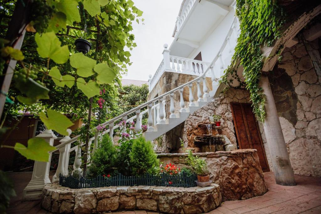 Гостевой дом Лаура на Куйбышева, Адлер