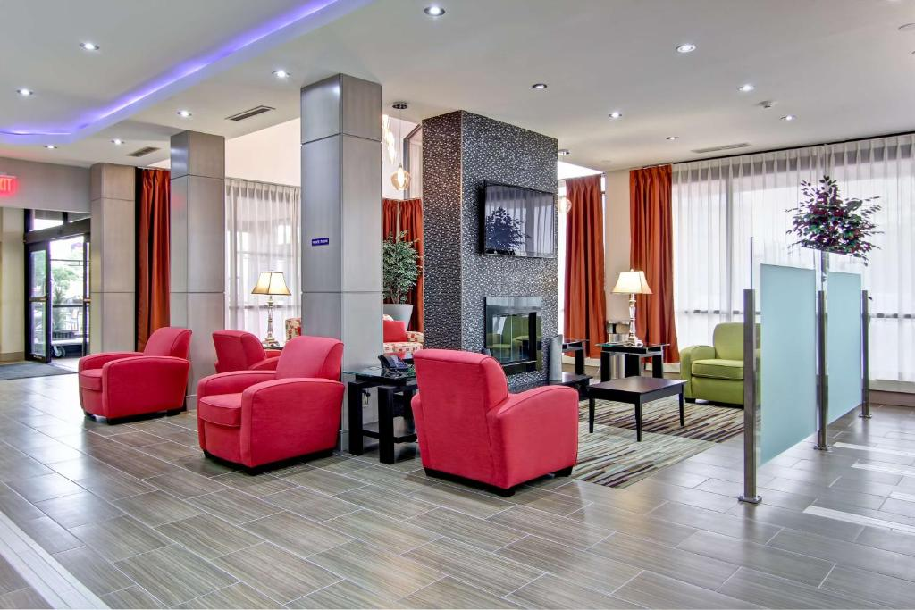 Best Western Plus Toronto North York Hotel & Suites, Торонто