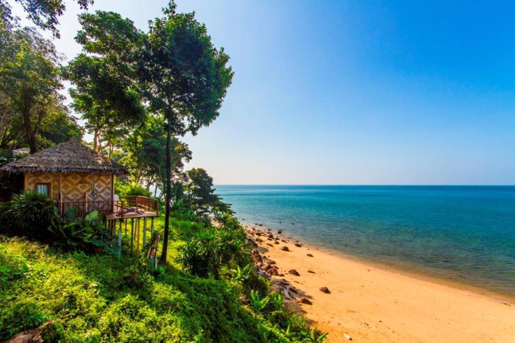 Курортный отель Kohjum Resort, Кох-Юм