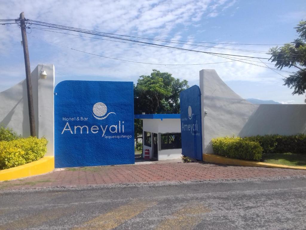 Отель Hotel Ameyali Tequesquitengo, Текескитенго