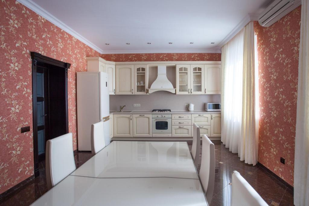 Relax & Leasure Villa, Иноземцево
