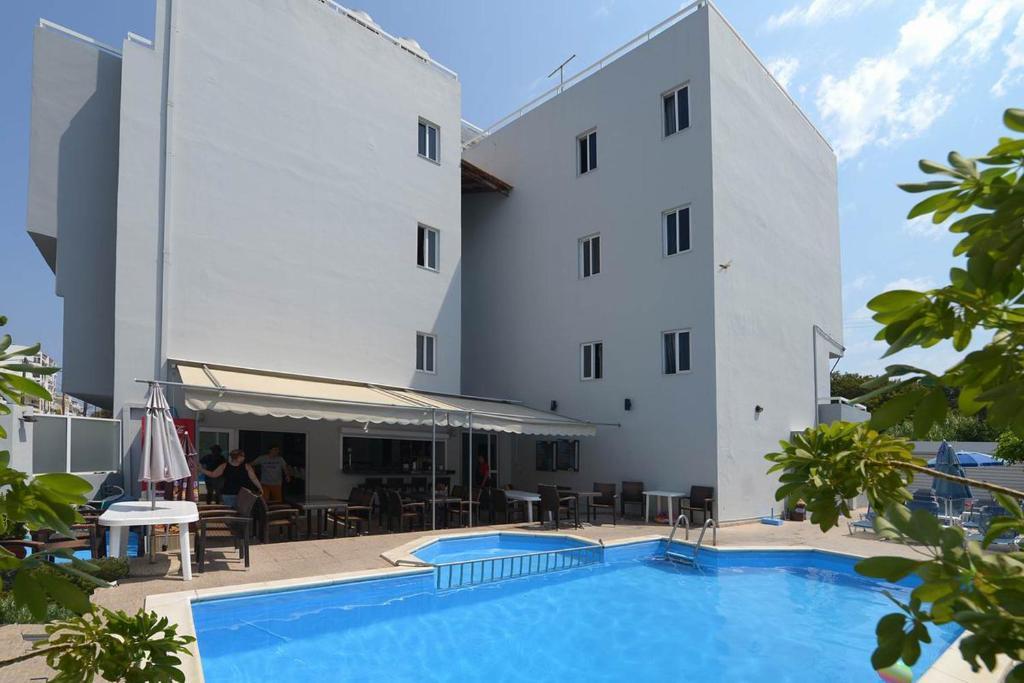 Отель Ialysos City Hotel, Ялиссос