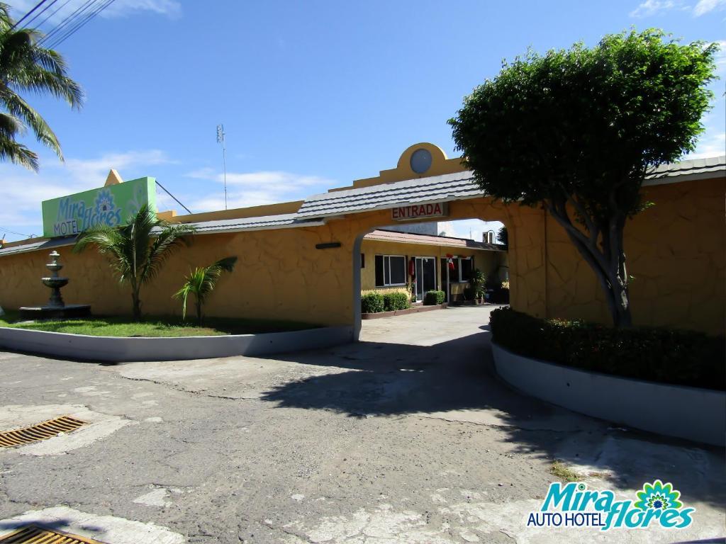 Мотель Autohotel Miraflores, Бока-дель-Рио