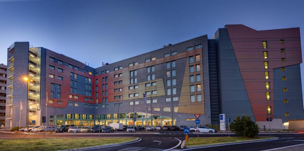 мини отель лира московский 8 официальный сайт