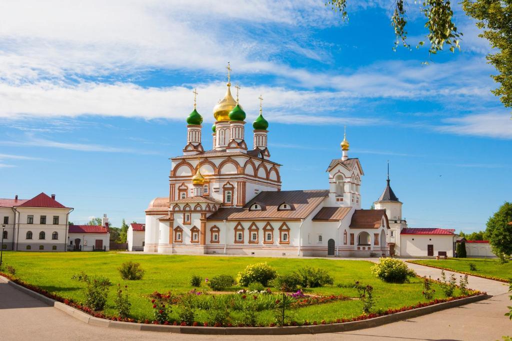 Отель Троице-Сергиев Варницкий мужской монастырь, Ростов Великий