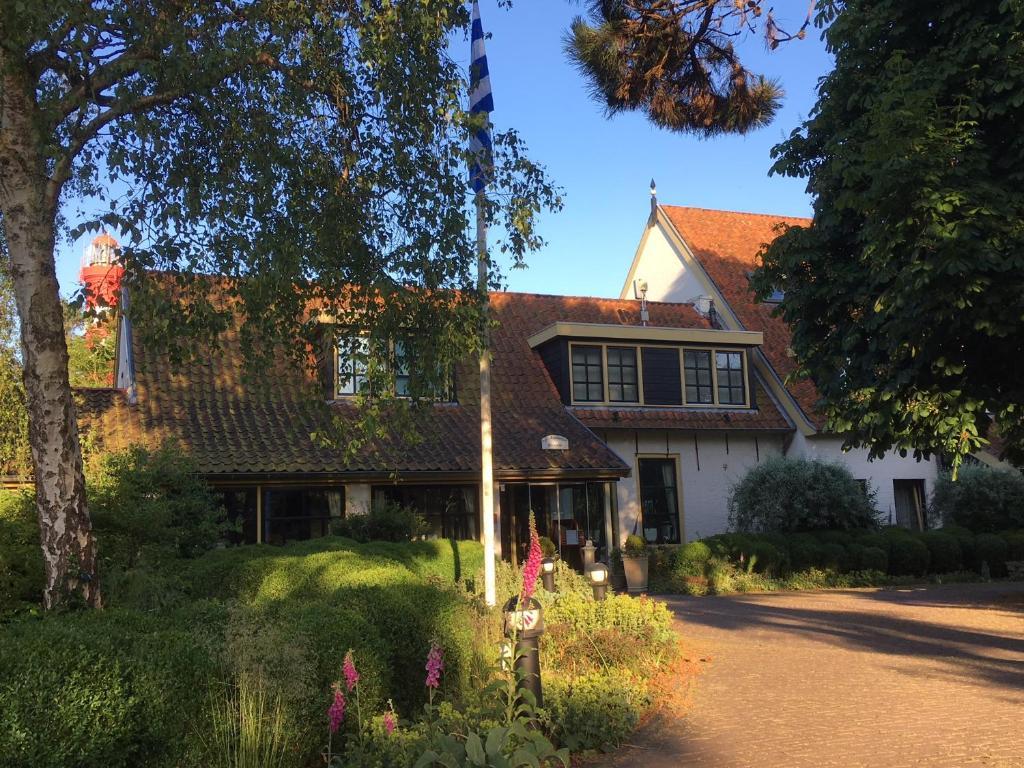 Hotel De Torenhoeve