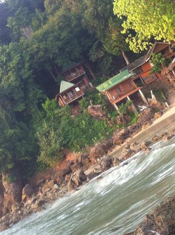 Курортный отель Aosi Bungalow, Кох-Юм