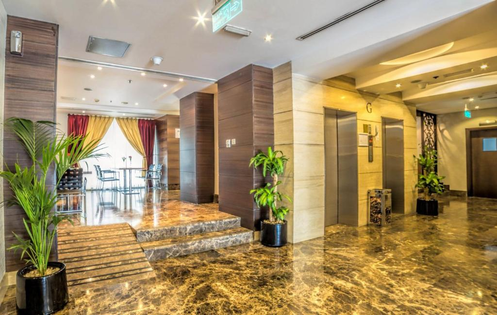 Executive Suites by Mourouj Gloria, Superior Hotel Apartments, Абу-Даби, ОАЭ