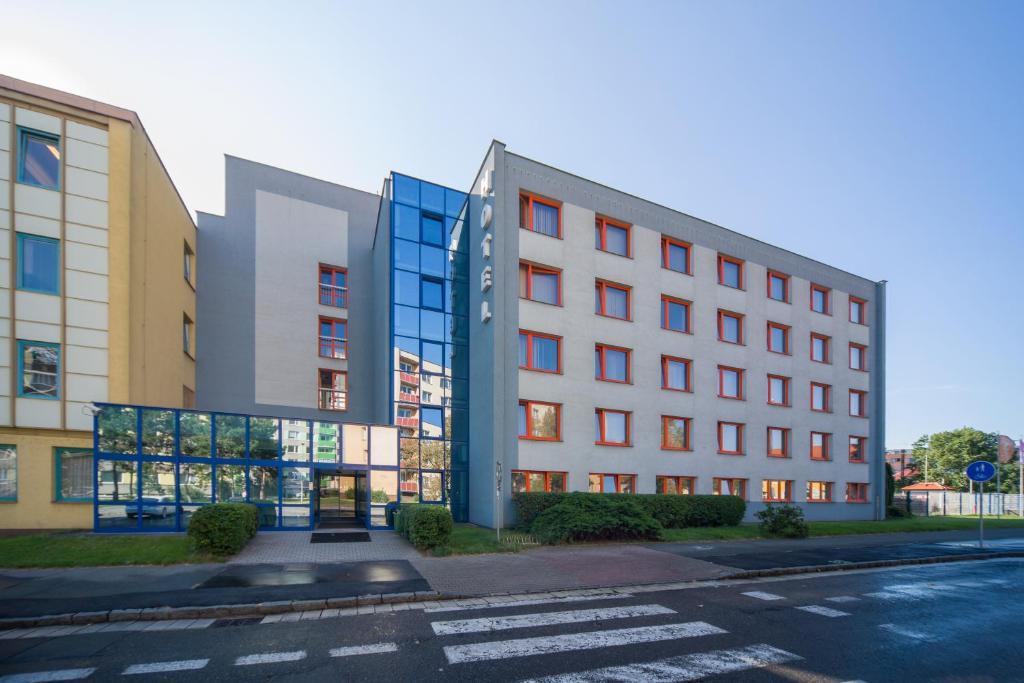 Отель Arnost Garni, Пардубице
