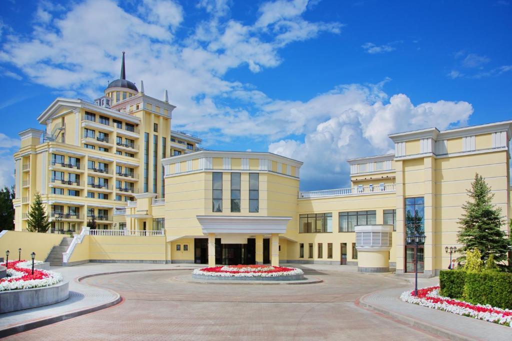 Отель Мистраль, Рождествено