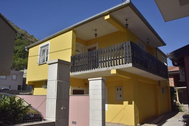 Apartment Charly's Haus, Мостар, Босния и Герцеговина
