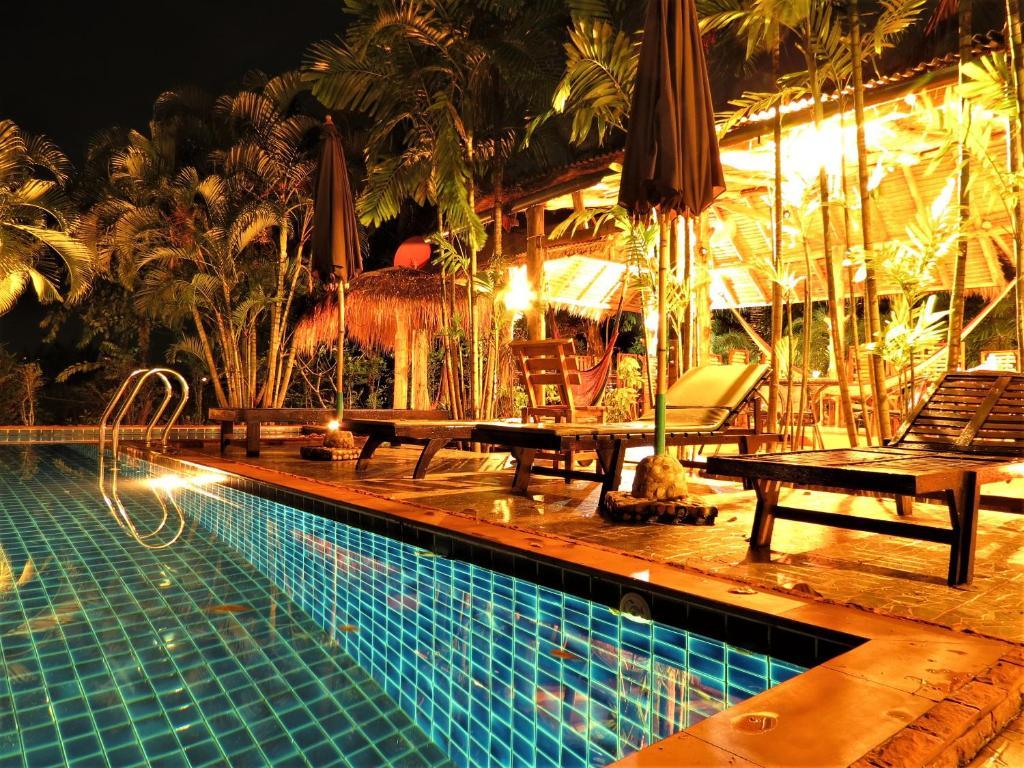 Курортный отель Bamboo Hideaway Resort, Ко Мак