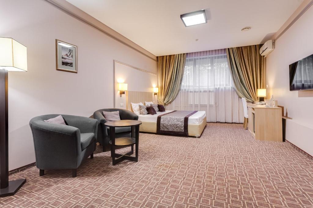 Отель Леон Спа