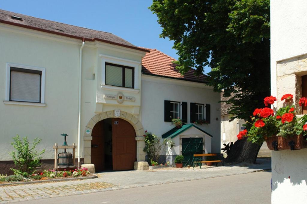 Winzerzimmer - Weingut Tinhof, Айзенштадт, Австрия