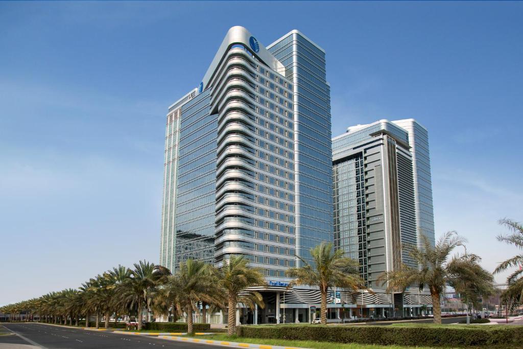 Pearl Rotana Capital Centre