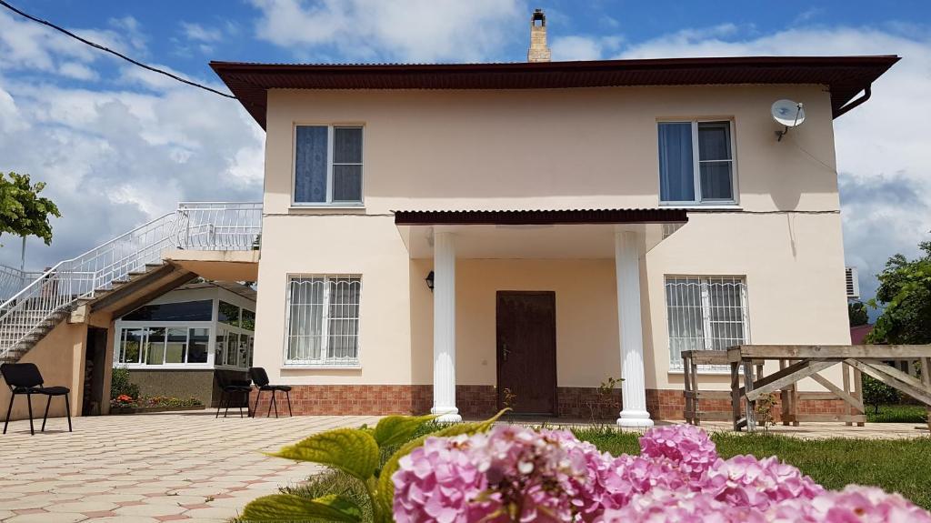 Гостевой дом С удобствами, Хеивани, Абхазия