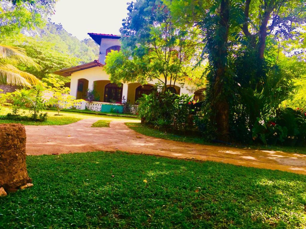 Pura Sanda Villa