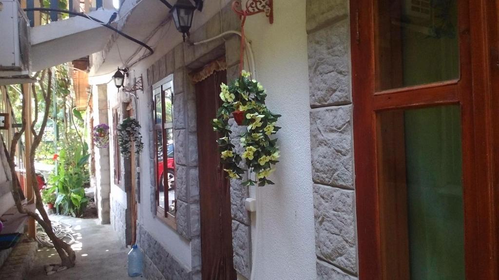 Guest House U Natalyi, Пицунда, Абхазия