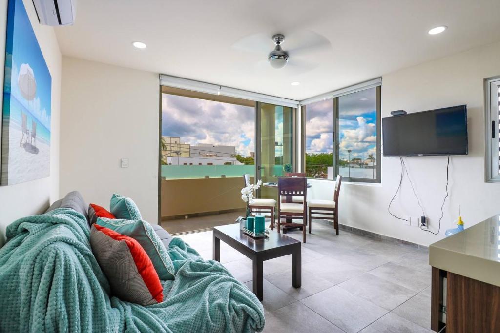 Апартаменты 304 Cozy 1BR Suite Great Rooftop Pool/Bar Sleep 4!, Плая-дель-Кармен