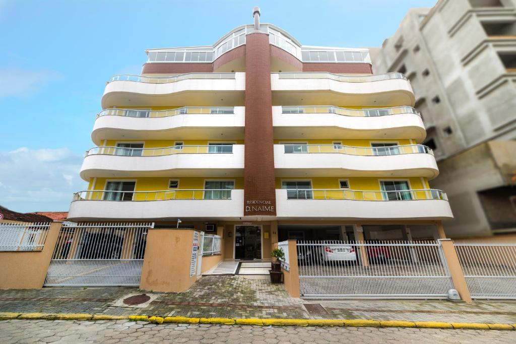 Апартаменты Residencial Dona Naime, Бомбиньяс