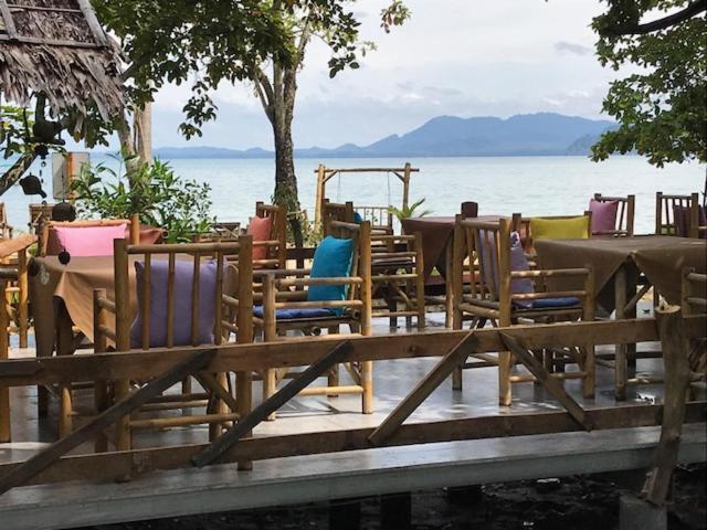 Отель Koh mook coco lodge, Ко Мук