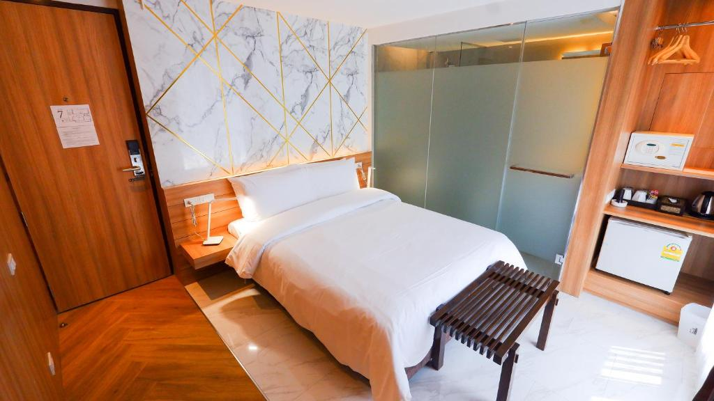 Отель Pinnacle Sukhumvit Inn, Бангкок