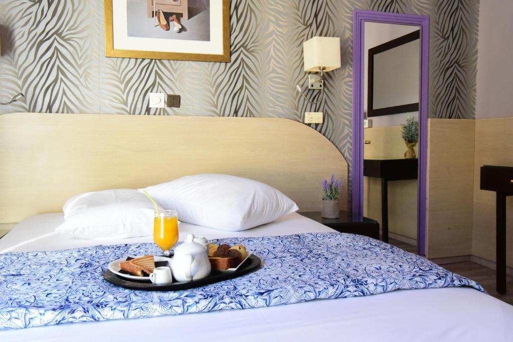 Отель Eva Hotel Piraeus, Пирей