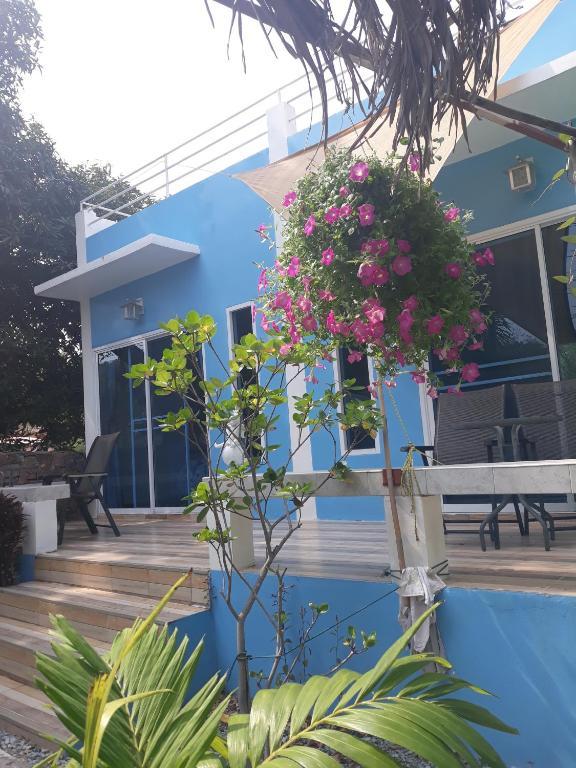 Гостевой дом Belinda Home, Ко Сичанг