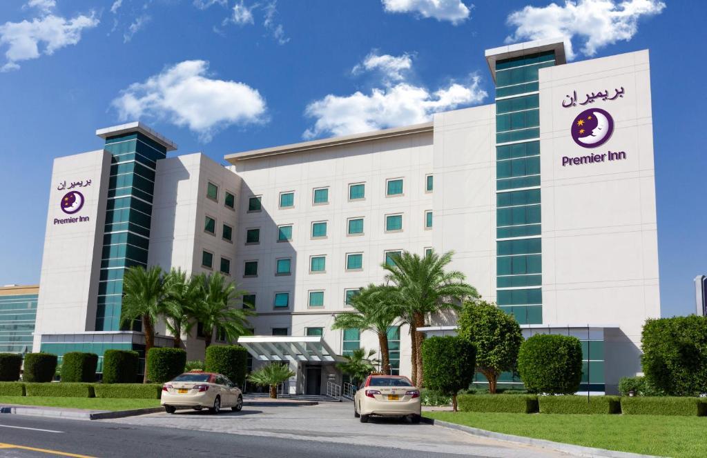 Premier Inn Dubai Investments Park, Дубай, ОАЭ