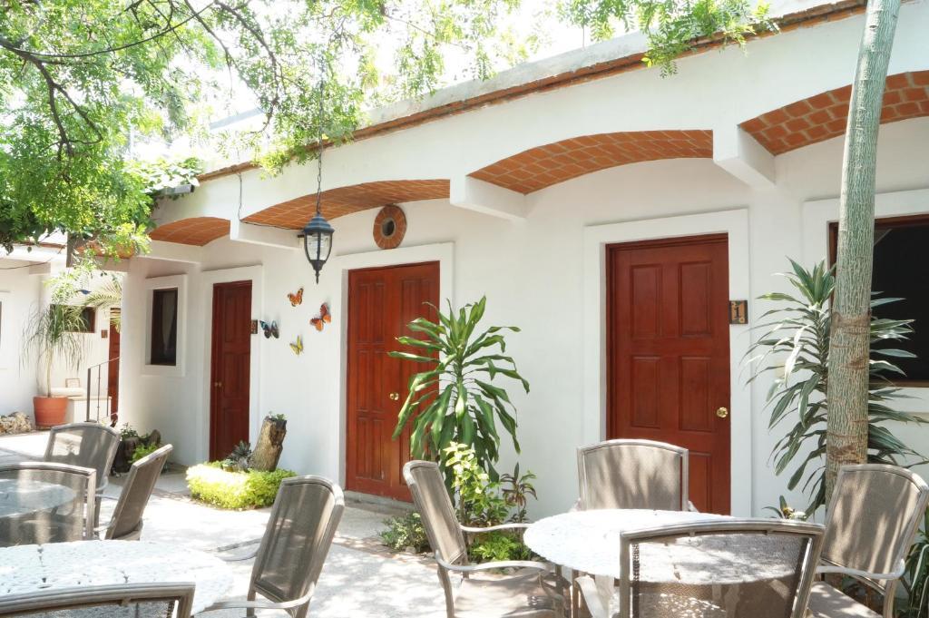 Отель Las Mariposas Eco-Hotel & Studios, Оахака-де-Хуарес