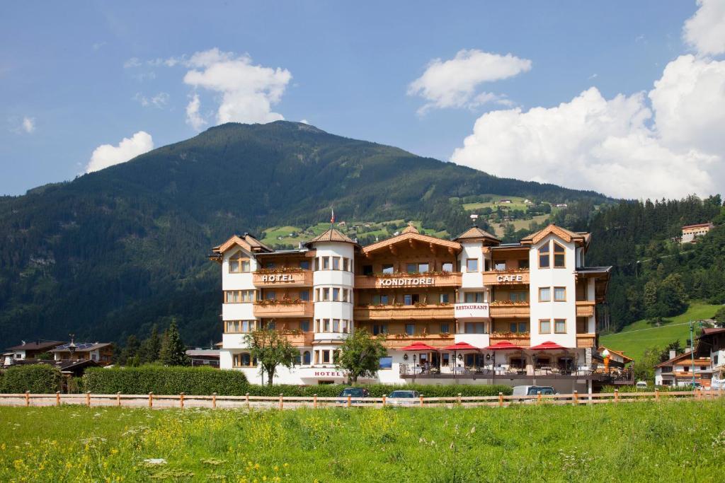 Hotel Riedl im Zillertal, Альпбах, Австрия