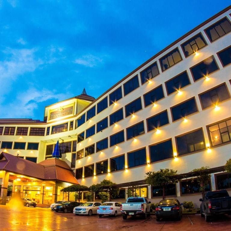 Курортный отель Golden Dragon, Сингбури