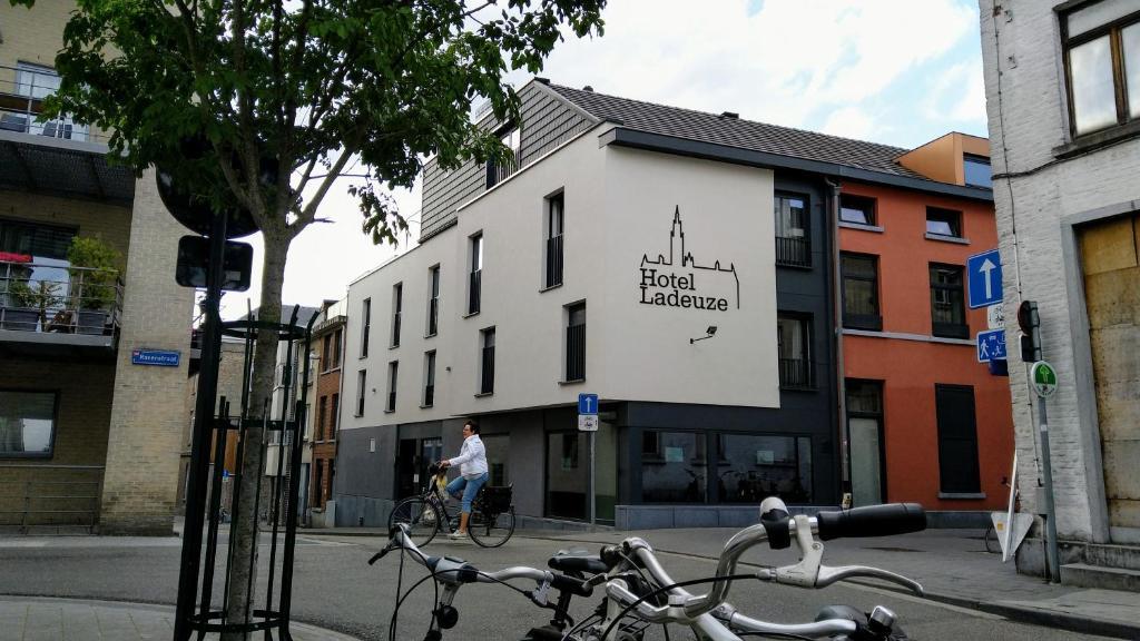 Hotel Ladeuze, Левен, Бельгия