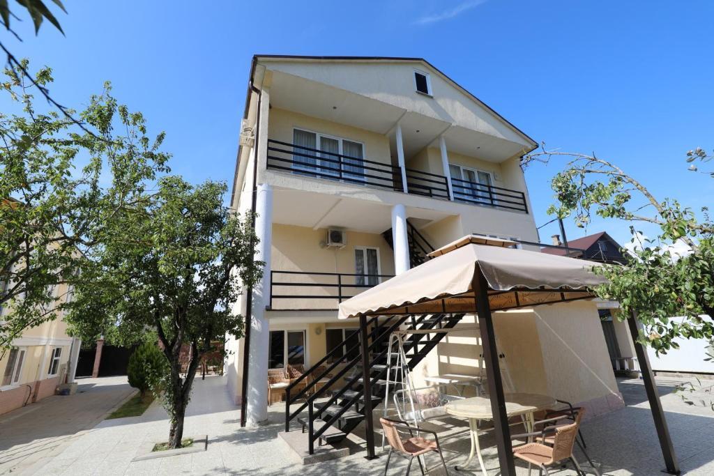 Гостевой дом Розалин, Гудаута, Абхазия