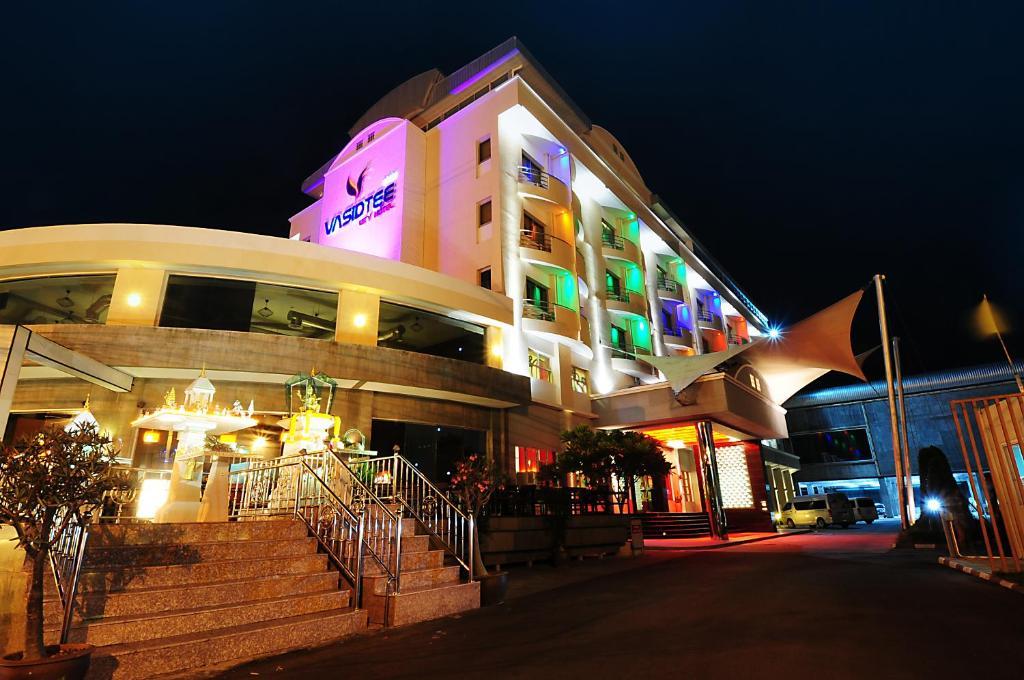Отель Vasidtee City, Супханбури