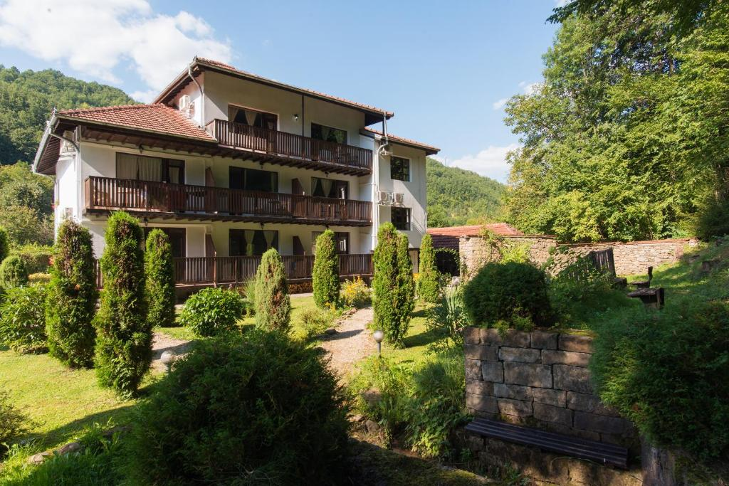 Family Hotel Bile, Бели-Осым, Болгария