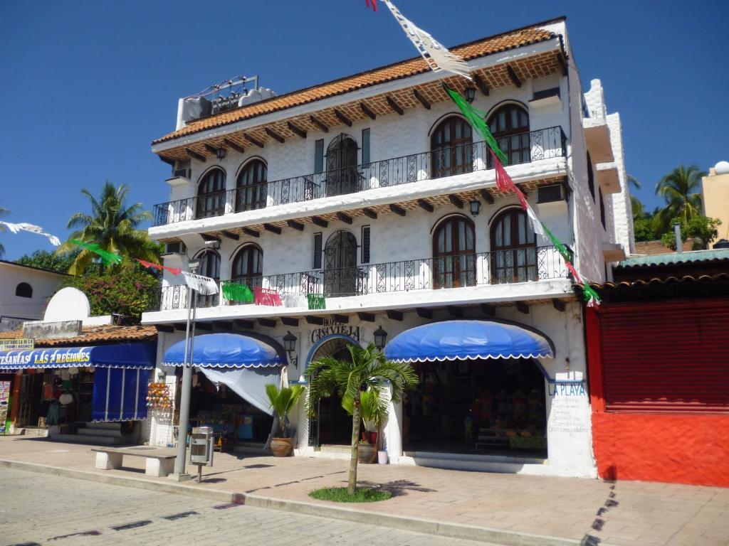 Отель Hotel Casa Vieja, Пуэрто-Эскондидо