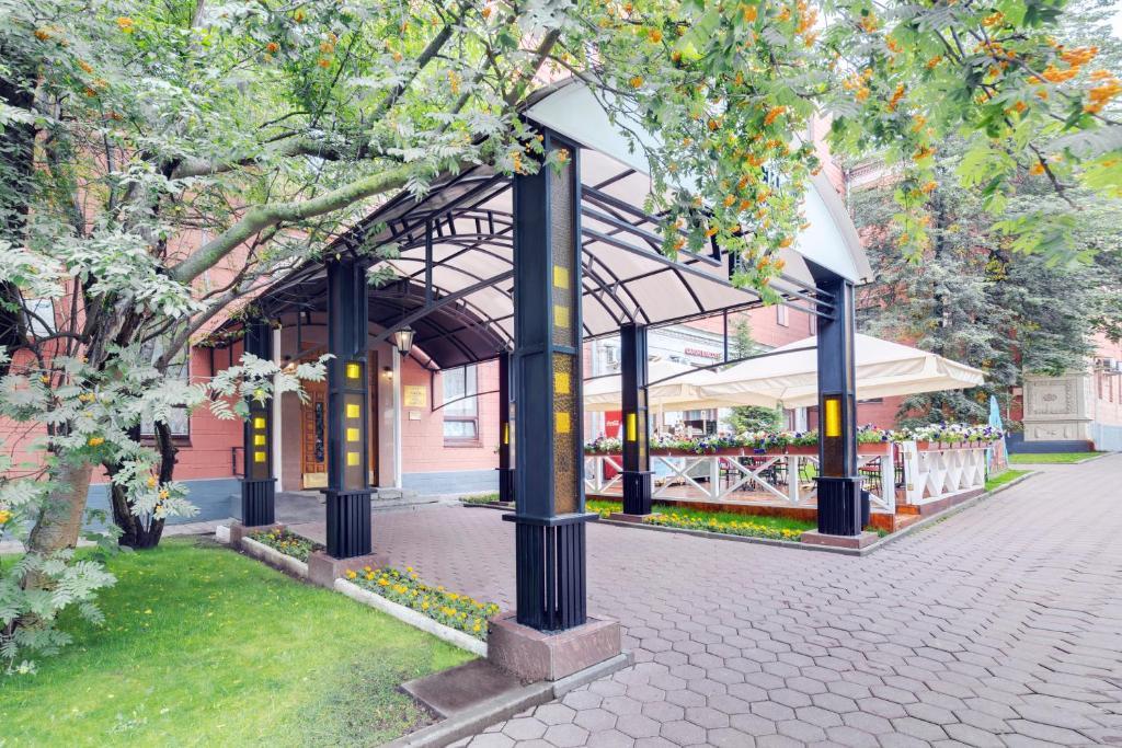 Отель Максима Заря, Москва